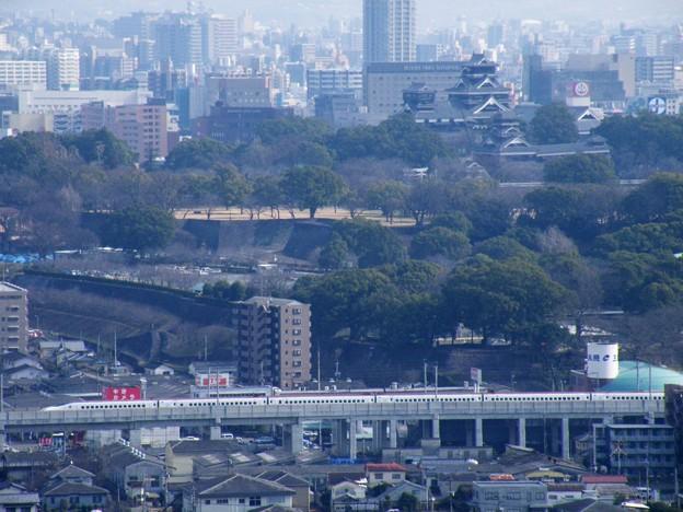仕事も忘れませんw熊本城と800系新幹線。