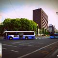 Photos: 熊本名物!?一番左の第1レーンから右折するバス。