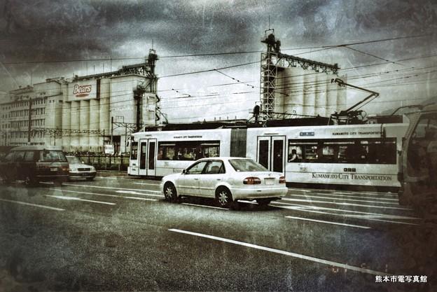 2001年撮影の上熊本駅前電停。