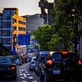 写真: 夕日に沈む街