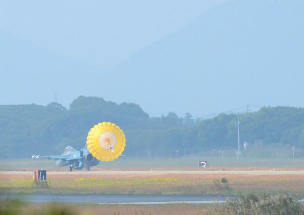 築城基地 F-2 パラシュート