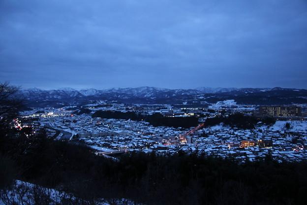 金沢市 雪の街並み 夕暮れ(山側)3