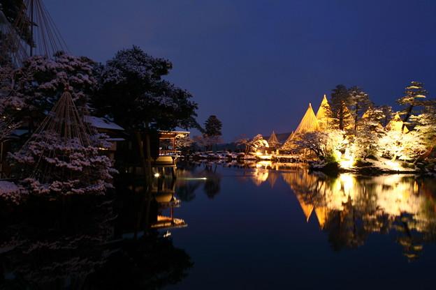 フォト蔵兼六園 ライトアップ 霞ヶ池アルバム: ●兼六園・金沢城 (1559)写真データAK(気ままに)さんの友達 (44)フォト蔵ツイート