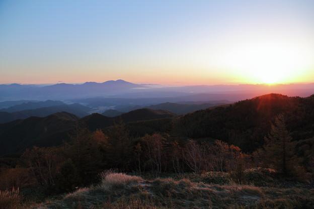 美ヶ原から日の出と紅葉
