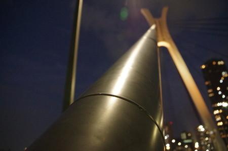 中央大橋の攻撃