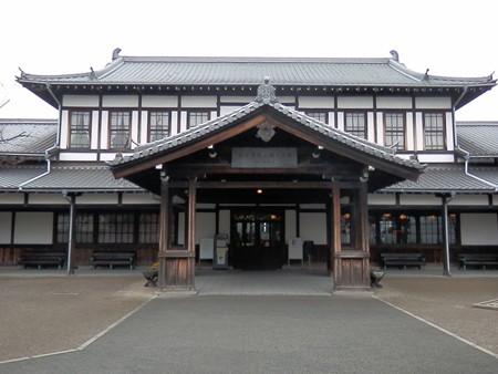 梅小路公園蒸気機関車館1