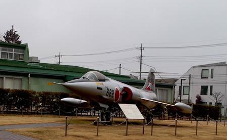 F-104 前