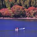 芦ノ湖湖畔で釣りを静かに楽しむ。。