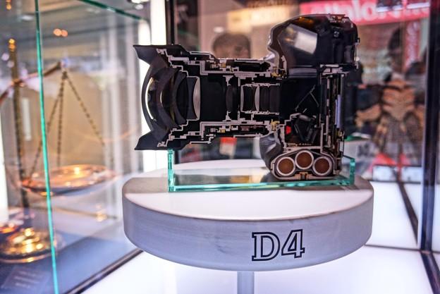 HDR Nikon D4メカニズム・・CP+ 20130202