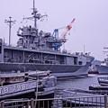 HDR 港バースには接岸中の揚陸指揮艦ブルーリッチLCC19と改修中イージス艦ステザムDDG63・・20130324