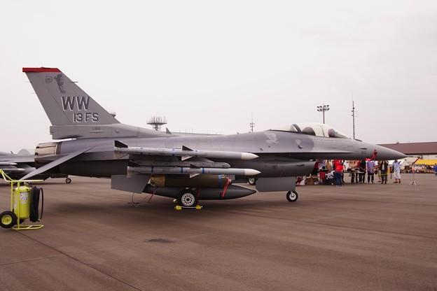 三沢基地の米軍機第13戦闘飛行隊...