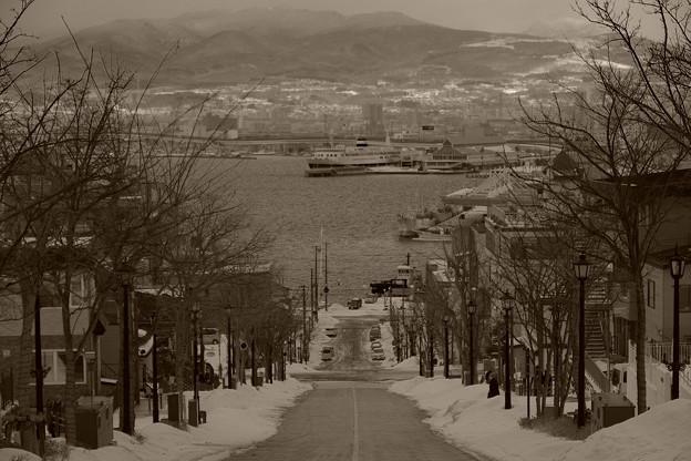 函館の八幡坂の雪景色・・