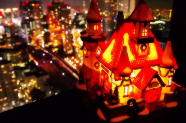 貿易センタービルもクリスマスの装飾で・・20131222