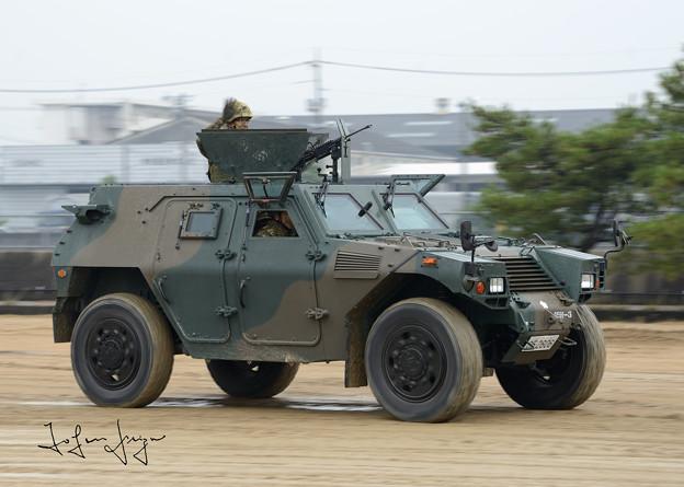 軽装甲機動車2L