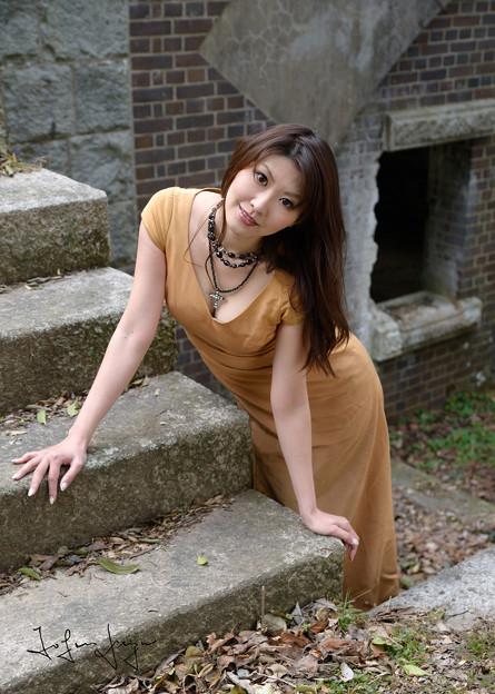 岡田智子ロング階段2L