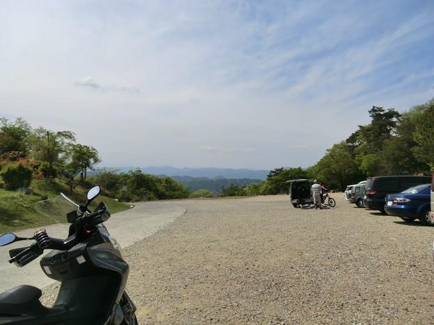 大野アルプスランドの駐車場と下山路