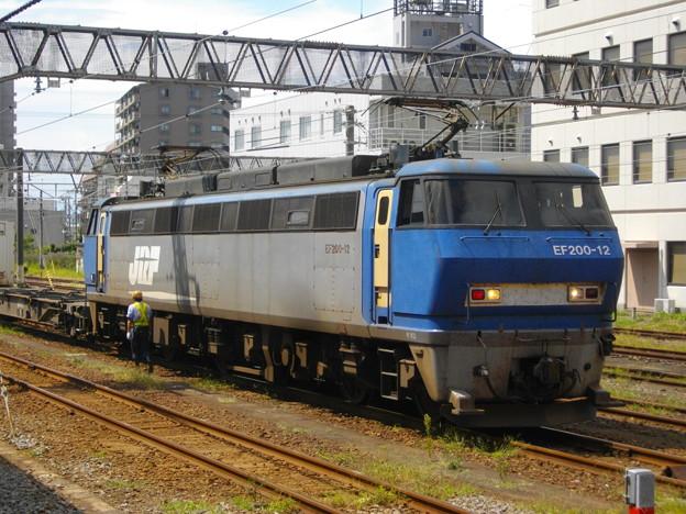 EF200 12 沼津駅にて