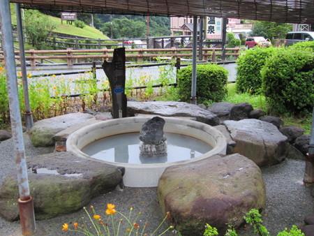24 9 丸尾温泉 前田温泉 カジロが湯 2