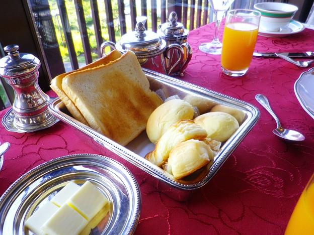焼きたてのパン@蒲郡クラシックホテル 朝食