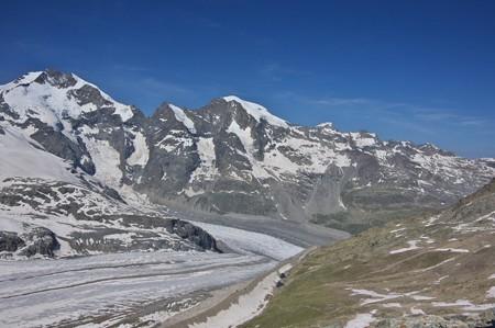 エンガディンの山々(一番左がピッツ・ベルニナ)